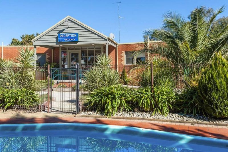 COMFORT INN COACH AND BUSHMANS - Perisher Accommodation