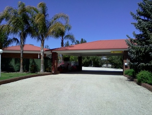 Golden Chain Border Gateway Motel - Perisher Accommodation
