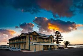 Arno Bay Hotel - Perisher Accommodation