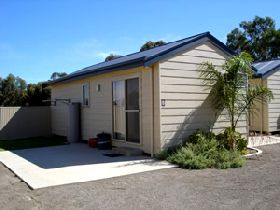 Moonta Bay Cabins - Perisher Accommodation