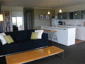 Coorong Waterfront Retreat - Perisher Accommodation