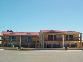 Tumby Bay Hotel Seafront Apartments - Perisher Accommodation