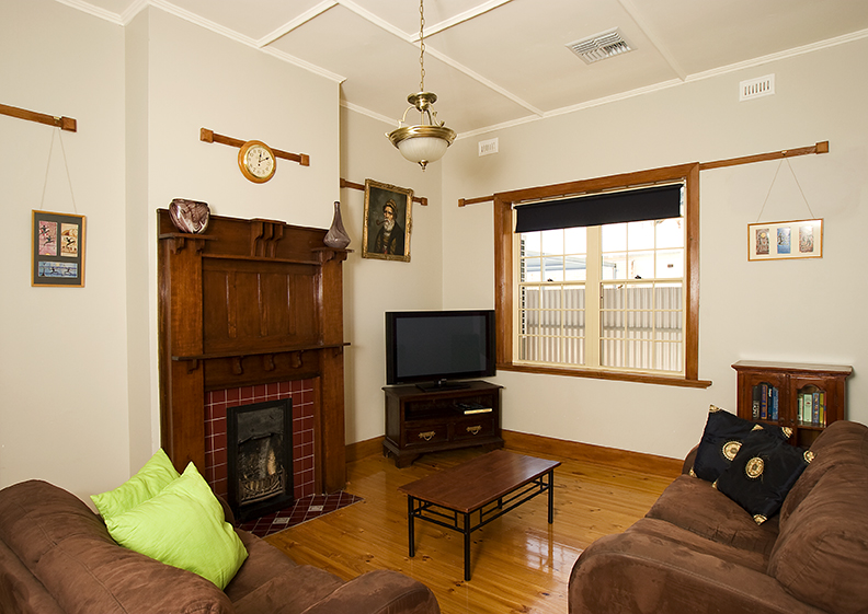 Semaphore Beach House - Perisher Accommodation