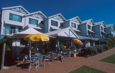 Breakers Apartments Mollymook - Perisher Accommodation
