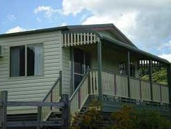 Halls Country Cottages - Perisher Accommodation