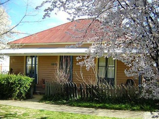 Cooma Cottage - Accommodation - Perisher Accommodation