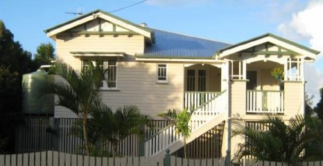 Eco Queenslander Holiday Home and BB - Perisher Accommodation