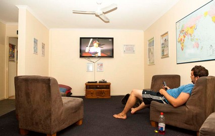 Surfers Paradise YHA At Main Beach