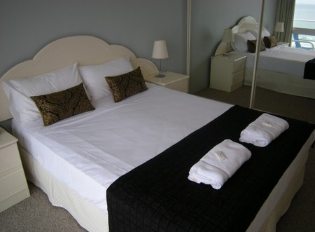 Pacific Regis Beachfront Apartments - Perisher Accommodation