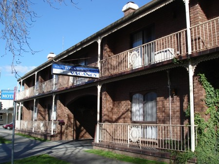 Albury Townhouse - Perisher Accommodation