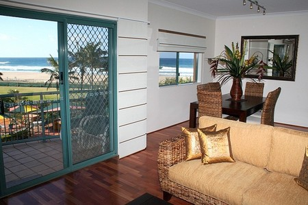 Currumbin Sands on the Beach - Perisher Accommodation