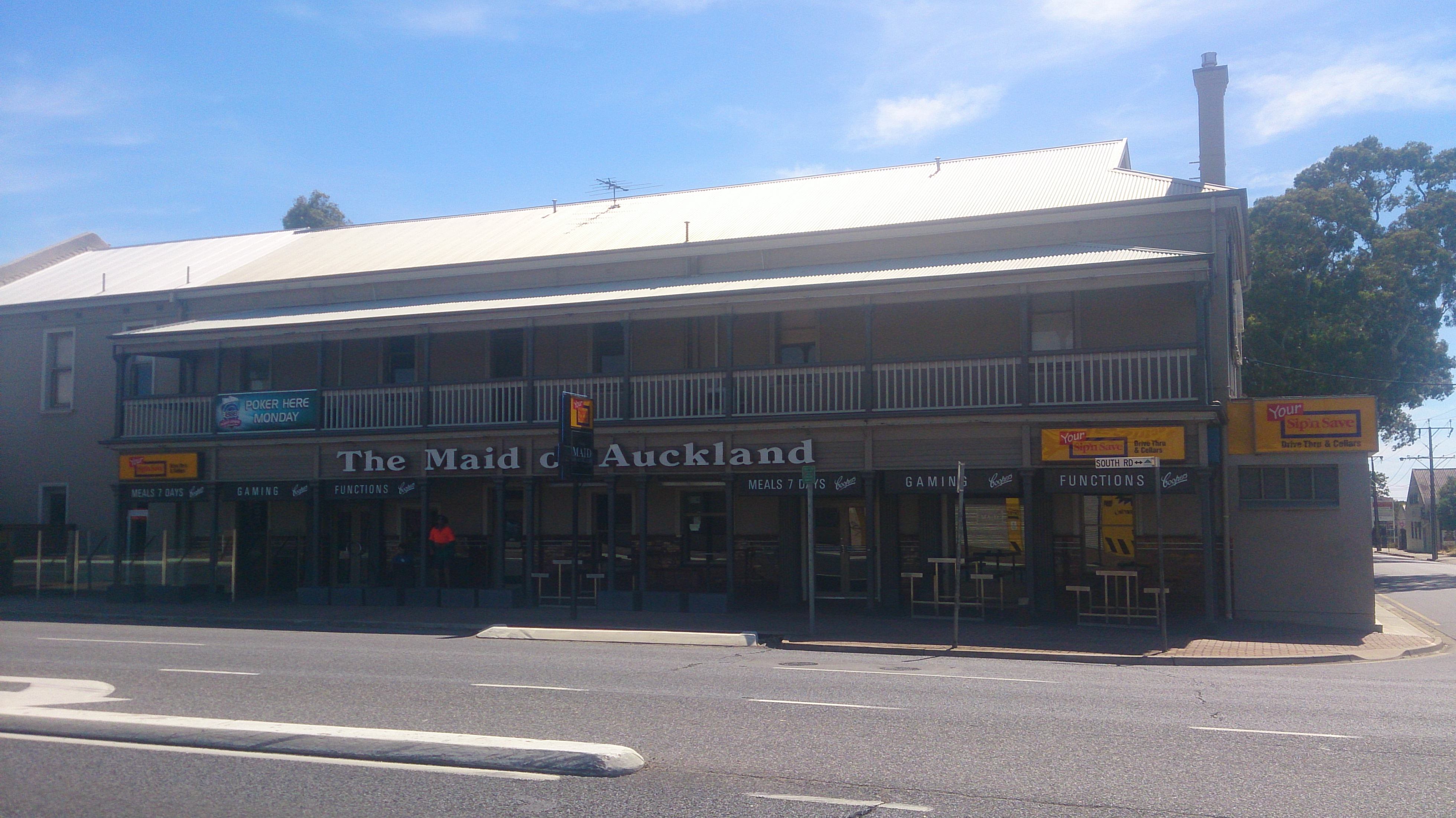 Maid Of Auckland Hotel - Perisher Accommodation