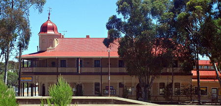 Peterborough Railway Hotel - Perisher Accommodation
