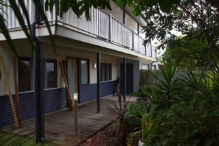 Moffat Beach Pet Friendly Holiday House - Perisher Accommodation