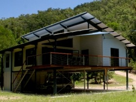Creek Valley Rainforest Retreat - Perisher Accommodation