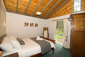 Hill aposNapos Dale Farm Cottages - Perisher Accommodation