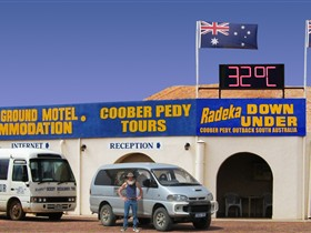 Radeka Downunder Underground Motel and Backpacker Inn - Perisher Accommodation