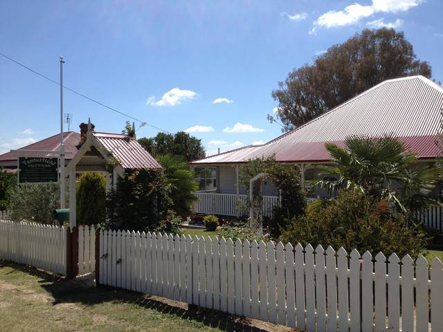 Tenterfield Luxury Historic c1895 Cottage - Perisher Accommodation