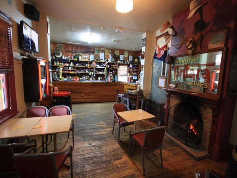 Victoria Hotel Moonan Flat - Perisher Accommodation