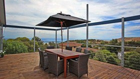Coral Sands Seaview Beach House - Perisher Accommodation
