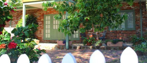 Kalamunda Carriages and Three Gums Cottage - Perisher Accommodation