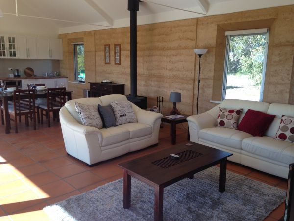 Muntiri Lodge Eco Retreat - Perisher Accommodation