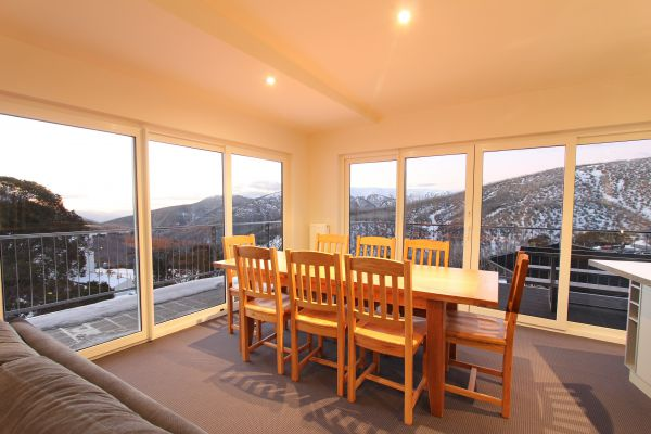 Ropers Alpine Apartments - Perisher Accommodation