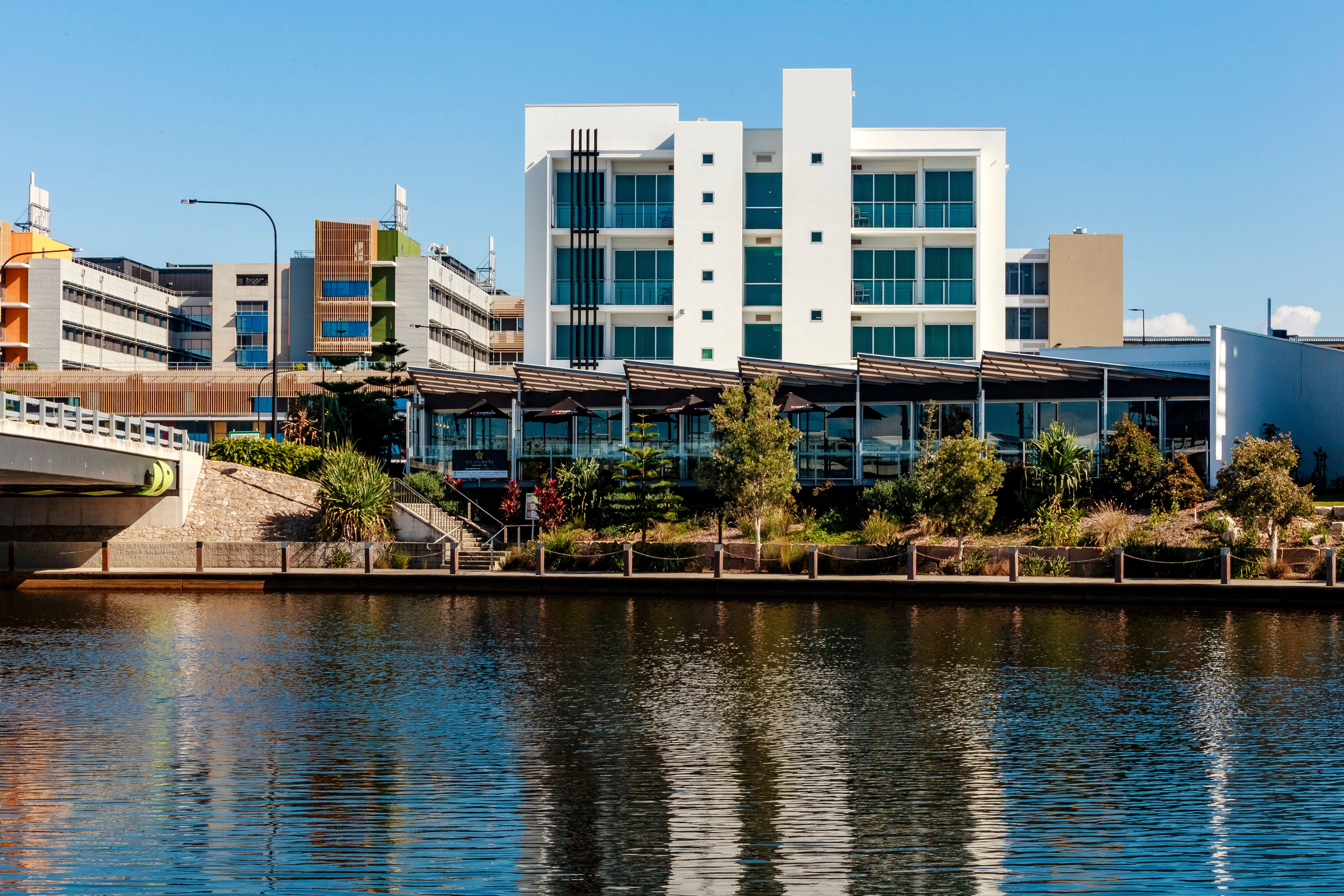 Mercure Sunshine Coast Kawana Waters - Perisher Accommodation