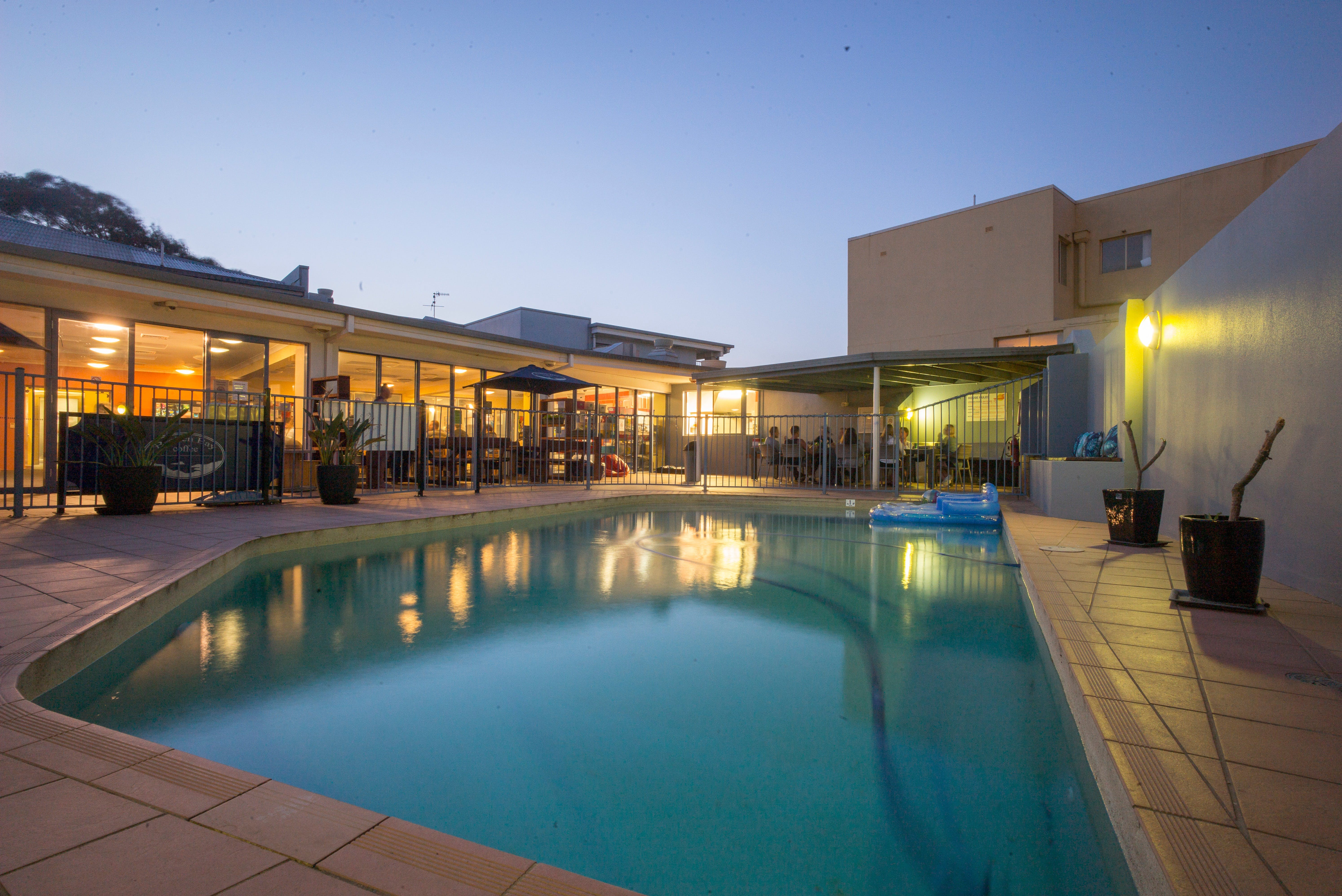 Sydney Beachouse YHA - Collaroy - Perisher Accommodation