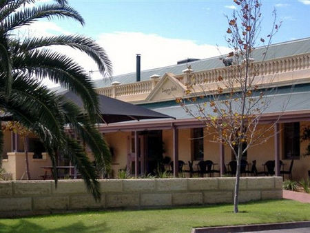 Dongara Hotel Motel - Perisher Accommodation