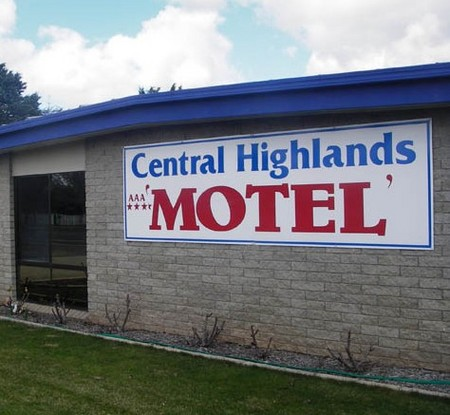 Central Highlands Motor Inn
