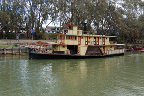 Emmylou Paddle Steamer - Perisher Accommodation
