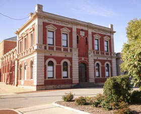 Northam Town Hall - Perisher Accommodation