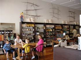 Blond Coffee and Store - Perisher Accommodation