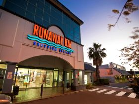 Runaway Bay Shopping Village - Perisher Accommodation