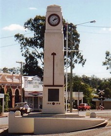 Goomeri War Memorial Clock - Perisher Accommodation