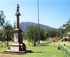 Maroon State School War Memorial - Perisher Accommodation