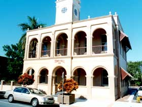 Mackay Town Hall - Perisher Accommodation