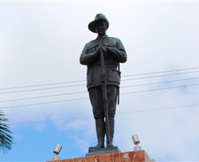 Charters Towers Memorial Cenotaph - Perisher Accommodation
