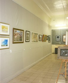 Outback Arts Gallery - Perisher Accommodation