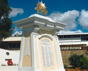 Beenleigh War Memorial - Perisher Accommodation