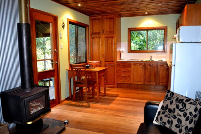 Waterfall Hideout-Rainforest Cabin for Couples - Perisher Accommodation