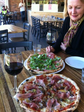 Bastoni Pizzeria - Perisher Accommodation