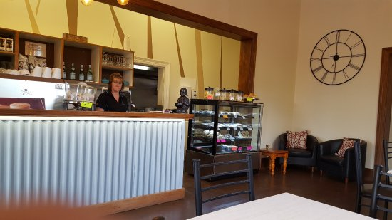 Essence Coffee Lounge - Perisher Accommodation