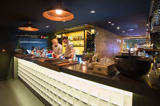 The Oakroom Kitchen and Bar - Perisher Accommodation