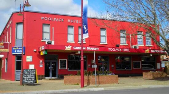 Woolpack Hotel Tumut - Perisher Accommodation