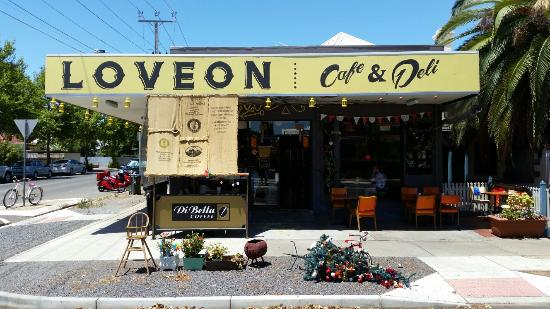 Loveon Cafe - Perisher Accommodation