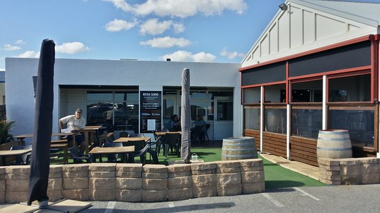 Breeze Cafe  Bar - Perisher Accommodation